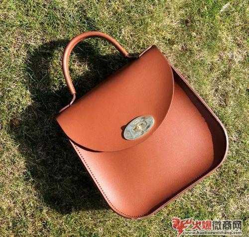 职场女生日常要用什么包?